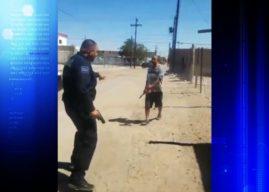 Policial atira várias vezes em homem que tentou atacá-lo